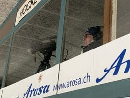EHC Arosa TV-Mann Marco Eberle in Aktion.